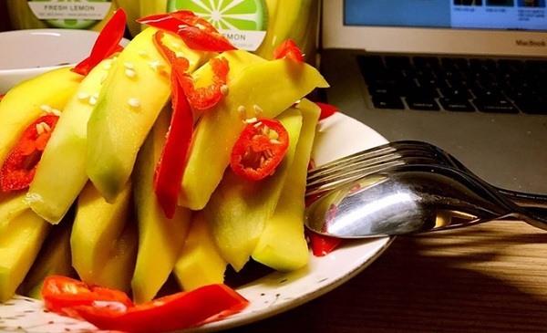 Top 10 món ăn vặt cay xè khiến cho dân văn phòng điên đảo
