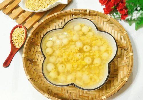 Cách nấu chè hạt sen đậu xanh cực mát trong mùa hè